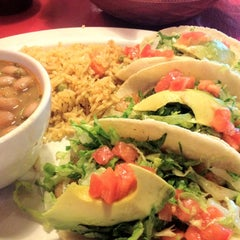 Photo taken at Del Pueblo Mexican Restaurant by celli59 on 7/26/2012