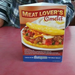 Photo taken at Huddle House by Tim S. on 7/12/2012