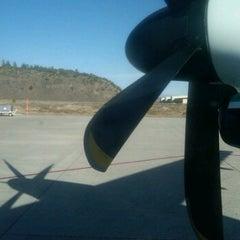 Photo taken at Alaska Air Flight 2199 (MMH to LAX) by Gordon S. on 4/5/2012