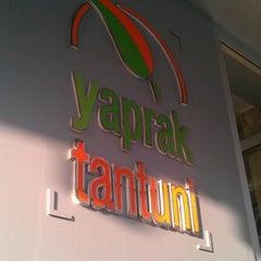 Photo taken at Yaprak Tantuni by EFENDI 51 E. on 6/5/2012