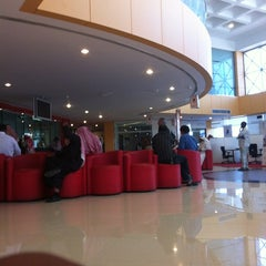 Photo taken at SABB Bank | بنك ساب by Hossam E. on 2/27/2012