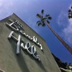 Photo taken at Beverly Hills Hotel by Jon B. on 3/15/2012