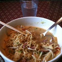 Photo taken at Pawit's Royale Thai Cuisine by Noppadon W. on 8/17/2012