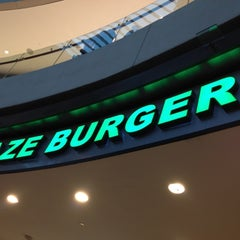 Photo taken at Kraze Burgers by Hans P. on 3/27/2012