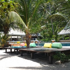 Photo taken at Pariya Resort & Villas Haad Yuan Koh Phangan by Mond D. on 6/14/2012