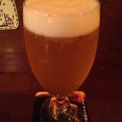 Photo taken at Stand Deli Cafe & Bar Bon Bonne by 元 玉. on 6/26/2012