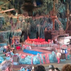 Photo taken at The Eighth Voyage Of Sindbad Stunt Show by Tori F. on 7/12/2012