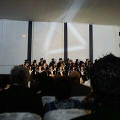 Photo taken at Facultad de Derecho - Universidad de San Martín de Porres by Carla C. on 12/10/2011