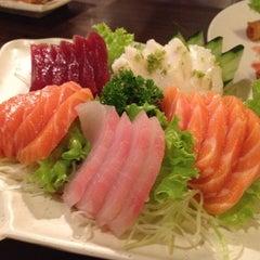 Photo taken at Restaurante Sushi Tori | 鳥 by Milena S. on 7/1/2012