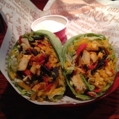 Photo taken at Red Robin Gourmet Burgers by Valerie G. on 12/25/2011