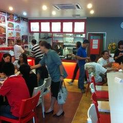Photo taken at Mek T Restaurant by Seng Khee T. on 12/11/2011