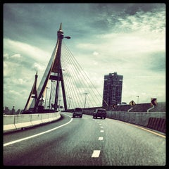 Photo taken at สะพานภูมิพล ๑ (Bhumibol 1 Bridge) by Korakan Y. on 7/6/2012