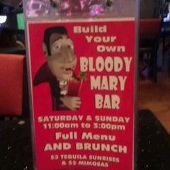 Photo taken at Frankie's Sports Bar & Grill by John V. on 6/10/2012