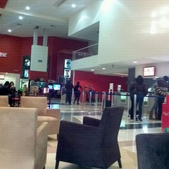 Photo taken at Cinemex by Erik Itham Á. on 1/31/2012