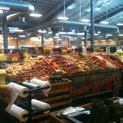 Photo taken at Sprouts Farmers Market by Betsy Joye M. on 8/4/2012
