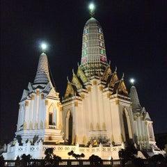 Photo taken at วัดพิชยญาติการาม (วัดพิชัยญาติ) Wat Phichaiyatikaram by ปลากระป๋อง ป. on 7/10/2012