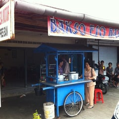 Photo taken at Bakso Ayam Baturiti by dipa w. on 12/24/2010