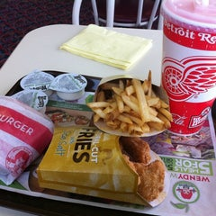 Photo taken at Wendy's by Ian A. on 3/22/2011