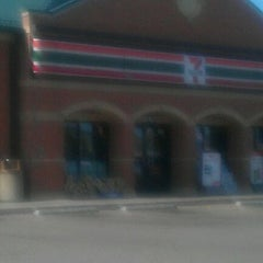 Photo taken at 7-Eleven by CeaCea on 3/19/2012