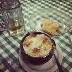 Photo taken at Cloverleaf Bar & Restaurant by Catherine on 9/6/2012