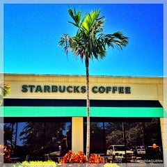 Photo taken at Starbucks by @LorenzoAgustin ☆ on 9/9/2012