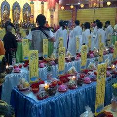 Photo taken at Vihara Buddhayana by Yanti t. on 9/2/2012