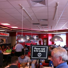 Photo taken at Steak 'n Shake by Troy P. on 4/6/2012