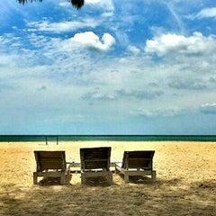 Photo taken at โรงแรมสวนบวกหาด (Beach Garden Hotel Cha-am) by Walk A. on 6/18/2012