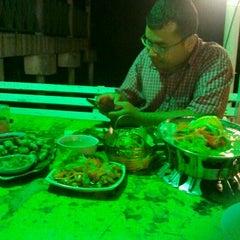 Photo taken at Restoran Seri Idaman by khairul a. on 4/8/2012