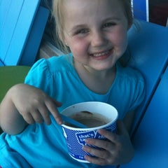 Photo taken at Yo Mon Frozen Yogurt by Courtney on 6/25/2012