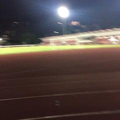 Photo taken at สนามเทพหัสดิน (Thephasadin Stadium) by Nitchakant P. on 8/17/2015