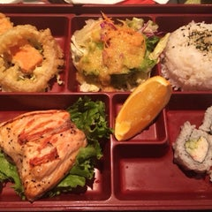 Photo taken at Mo Mo Sushi by Cathy V. on 12/6/2013