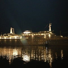 Photo taken at ss Rotterdam by Rene de Vries on 4/6/2013