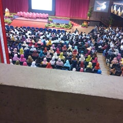 Photo taken at Dewan Tunku Canselor by Emi R. on 5/27/2015
