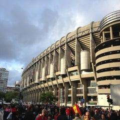 Photo taken at Estadio Santiago Bernabéu by jose augusto g. on 5/17/2013