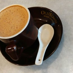 Photo taken at OldTown White Coffee by # Out Wheelers on 3/6/2015