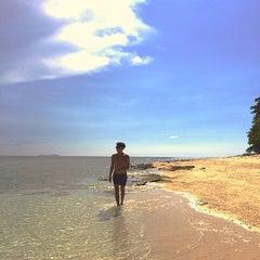 Photo taken at Pulau Lihaga (Lihaga Island) by faBi 张™ [ 张费边 ] on 6/3/2014