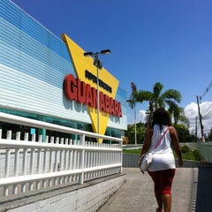 Photo taken at Supermercados Guanabara by Gael A. on 3/23/2013