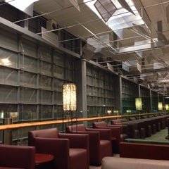 Photo taken at KrisFlyer Gold Lounge (Terminal 3) by Berkin T. on 9/23/2013