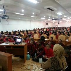 Photo taken at Fakultas Kedokteran by ReshaWeb I. on 11/2/2013