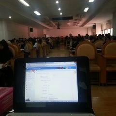Photo taken at Fakultas Kedokteran by ReshaWeb I. on 9/29/2013