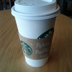 Photo taken at Starbucks by Dayes W. on 12/30/2012