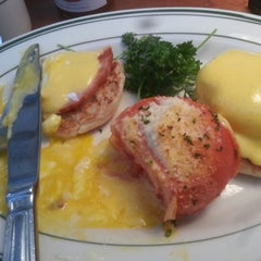 Photo taken at Market Street Grill by Ashley W. on 12/23/2012