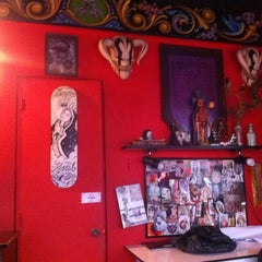 Photo taken at Amor Real - Custom Tattoo by Oswaldo A. on 10/27/2012