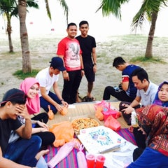 Photo taken at Pantai Saujana (Pantai Batu Empat) by Farah D. on 7/2/2015