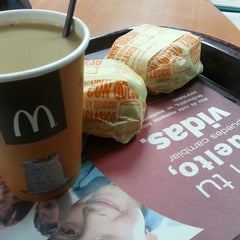 Photo taken at McDonald's by Francisco Javier U. on 4/15/2013