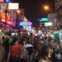 Photo taken at ถนนข้าวสาร (Khao San Road) by Mike C. on 1/8/2013