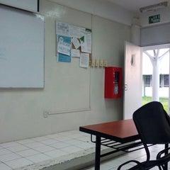 Photo taken at Facultad de Letras y Comunicación by Jonathan L. on 5/5/2014