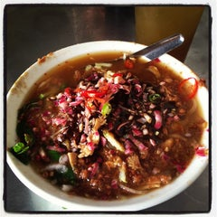 Photo taken at Air Itam Asam Laksa by Liew Z. on 11/3/2012