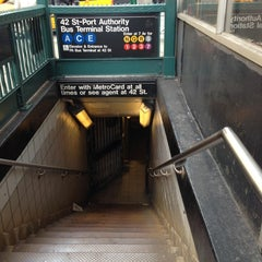Photo taken at MTA Subway - 42nd St/Times Square/Port Authority Bus Terminal (A/C/E/N/Q/R/S/1/2/3/7) by LaTanya B. on 11/6/2012